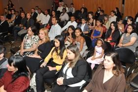 Moradores de Paraisópolis recebem diploma do curso Gestão e Administração de Condomínios